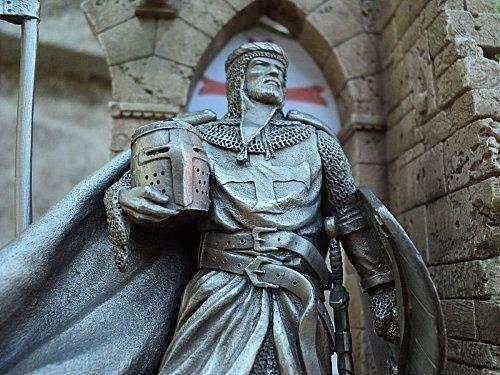 Knight templar statue